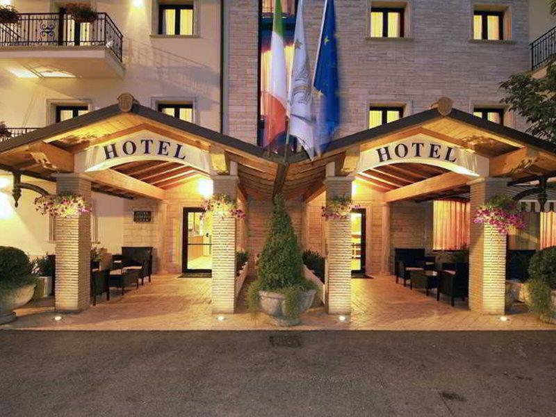 Fashion Hotel