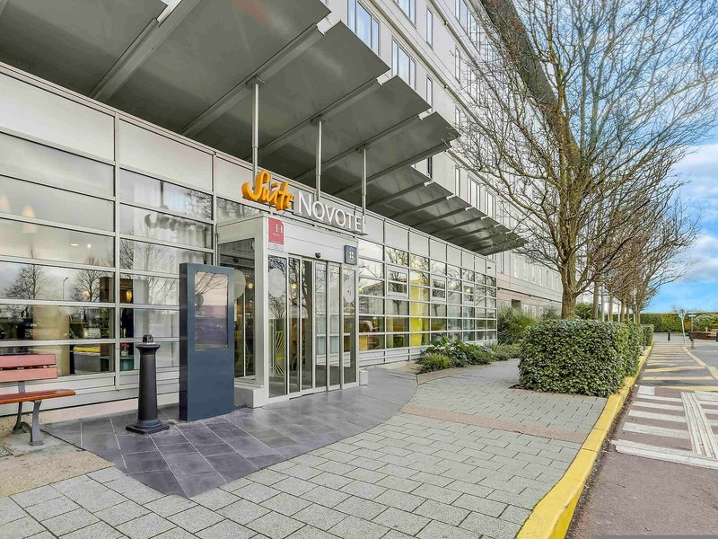 Novotel Suites CDG Paris Flughafen Villepinte