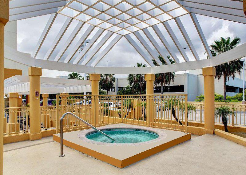 Hampton Inn & Suites Miami Airport South - Blue Lagoon
