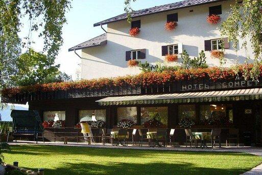 Compet Hotel & Restaurant