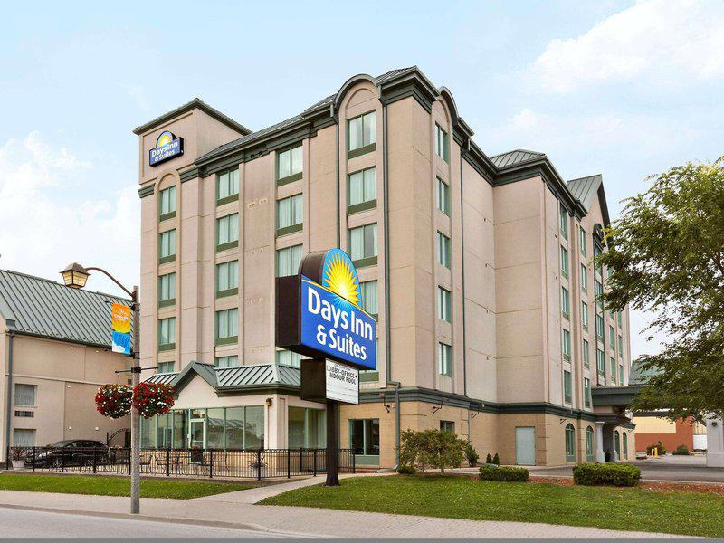 Days Inn & Suites by the Falls - Centre Street