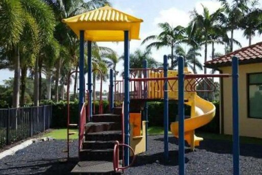 Naples Bay Resort & Marina - The Hotel / The Cottages