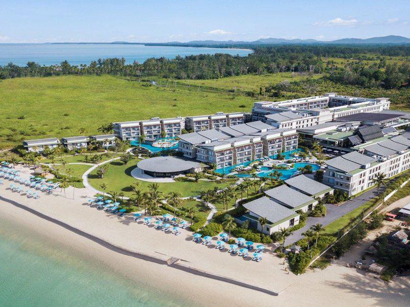 Le Meridien Khao Lak Resort & Spa