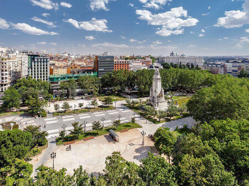Barcelo Torre de Madrid