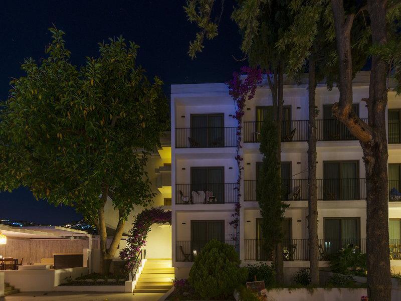 Liv Hotel by Bellazure