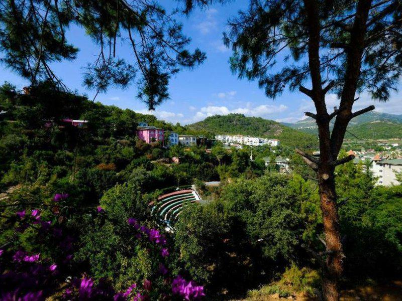 Senza Garden Holiday Club
