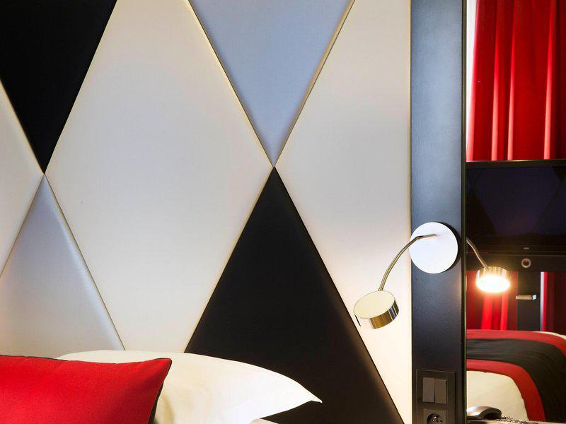 L´Empire Paris