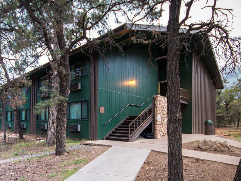Yavapai Lodge West