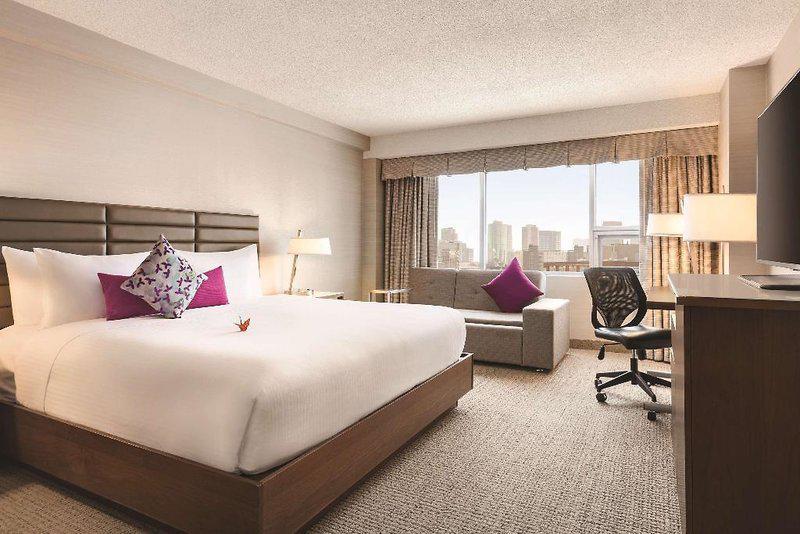 Coast Edmonton Plaza