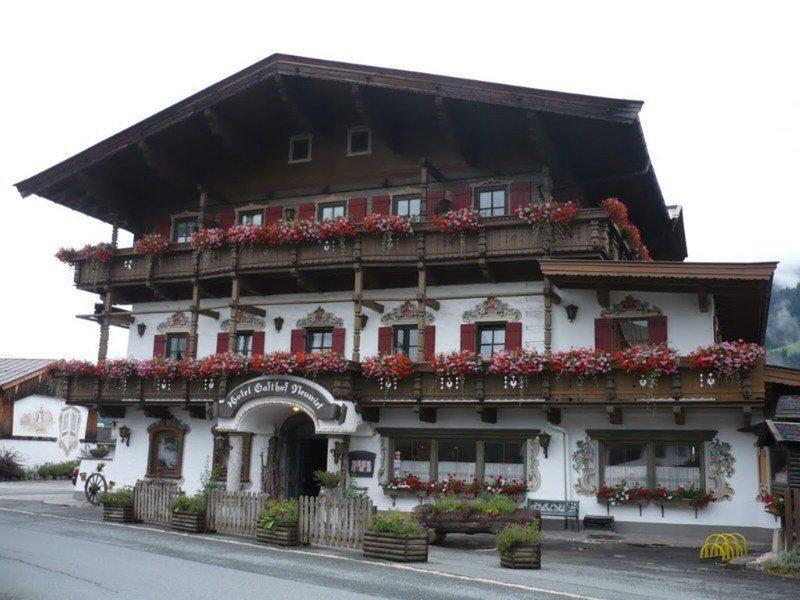 Kaiserhotel Neuwirt & Nebenhäuser Oberndorf