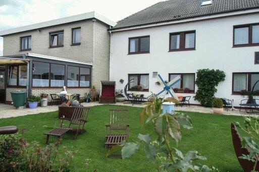 Familien- und Aparthotel Strandhof Tossens & Gästehäuser