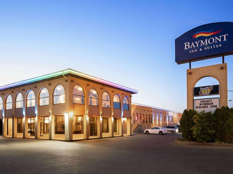 Baymont Inn & Suites Medicine Hat