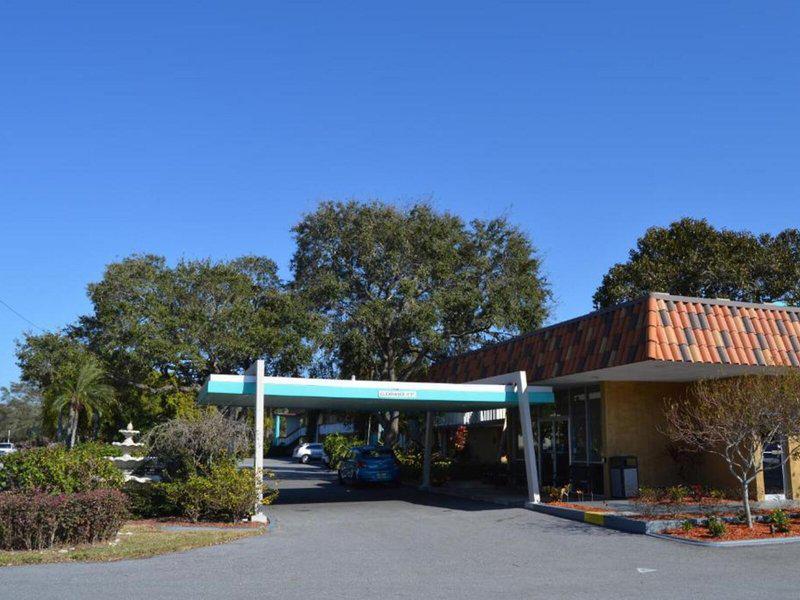 Baymont Inn & Suites Sarasota