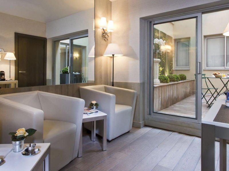 Elysees Longchamps