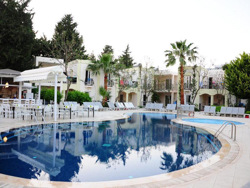 Paloma Bitez Family Club