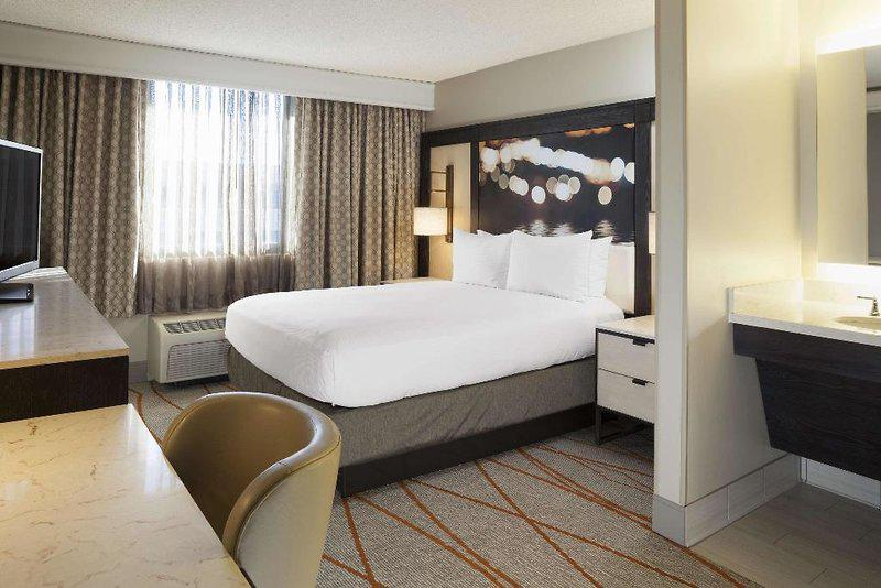DoubleTree by Hilton Hotel Denver -Stapleton North