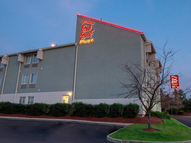 Red Roof Plus Boston Logan