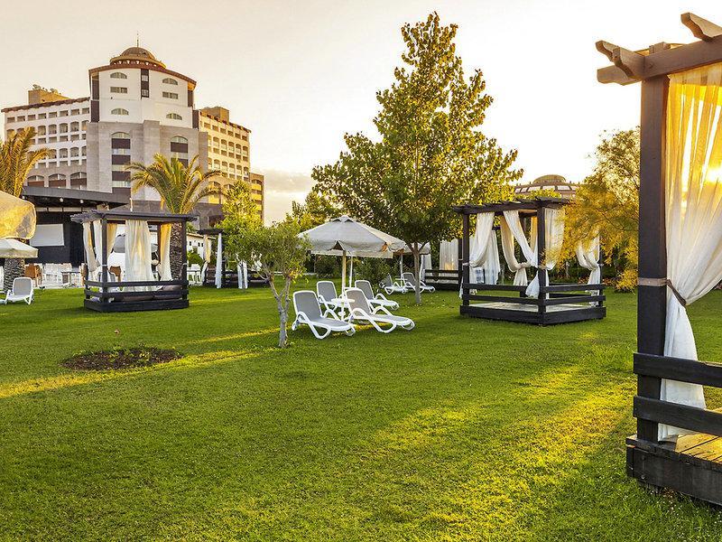 Melas Hotel Lara