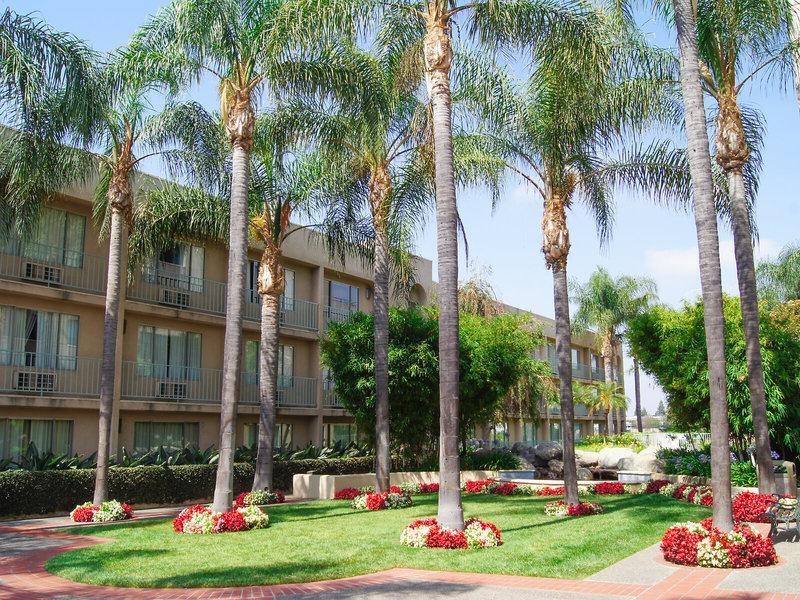 Airtel Plaza