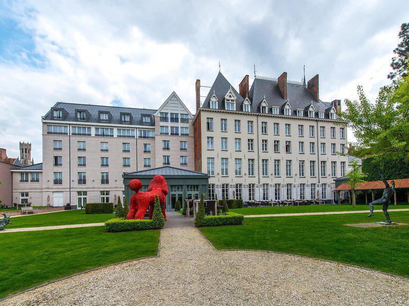 Dukes Palace