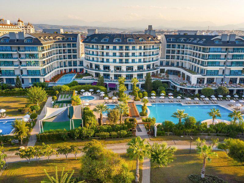 Commodore Elite Suites & Spa - Erwachsenenhotel ab 18 Jahren