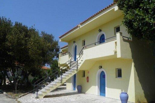 Ammes Studios & Apartments